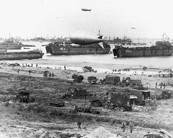 Das Bild dokumentiert die alliierte Invasion im Juni 1944
