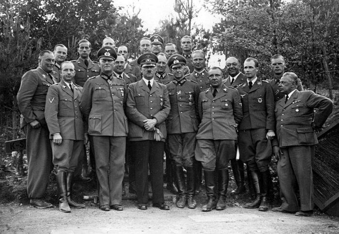 Alfred Jodl und Adolf Hitler